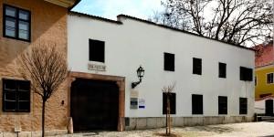 Püspöki Udvarbíróház