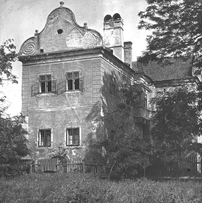 A Torkos-kastély. Diapozitív, 1930-as évek. 85×85 mm, ltsz: XJM. F.1604.