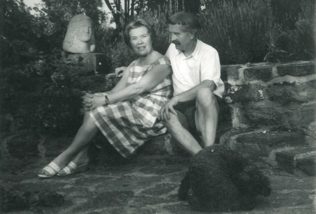 Borsos Miklós és Kéry Ilona (Buba) a kútnál
