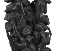 Nők gyermekekkel. Tanzánia, makonde, XX. század. Fa, m: 560 mm, ltsz.: N. 86.1.12.
